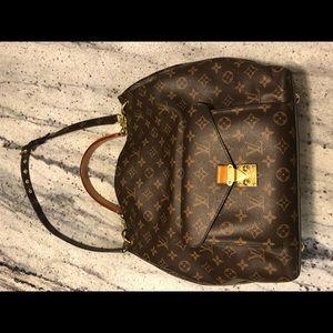 Louis Vuitton Métis Canvas Hobo Bag